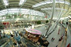 Aéroport de sseldorf de ¼ de DÃ - hall de déviations Image stock