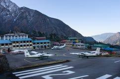 Aéroport de Tenzing-Hillary dans Lukla, Népal. Photos libres de droits