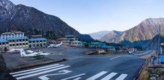 Aéroport de Tenzing-Hillary dans Lukla, Népal. Photo libre de droits