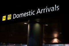 Aéroport domestique d'arrivées, transport Image stock