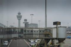 Aéroport du ` s Schiphol d'Amsterdam aux Pays-Bas Photographie stock libre de droits
