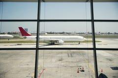 Aéroport et avions Image stock