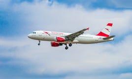 AÉROPORT FRANCFORT, ALLEMAGNE : LE 23 JUIN 2017 : Autrichien AI de Boeing 767 Photos stock