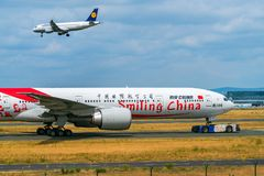 AÉROPORT FRANCFORT, ALLEMAGNE : LE 23 JUIN 2017 : Boeing 777China Southe Photo stock