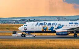 AÉROPORT FRANCFORT, ALLEMAGNE : LE 23 JUIN 2017 : Boeing 737-800 SunExpr Photo stock