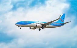 AÉROPORT FRANCFORT, ALLEMAGNE : LE 23 JUIN 2017 : Mouche Deu de Boeing 737 TUI Images libres de droits