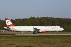 Aéroport international de Francfort - Airbus A321 d'Austrian Airlines décolle Photos libres de droits