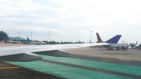 Aéroport international de Phuket banque de vidéos