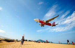 Aéroport international de Phuket d'atterrissage Photo stock
