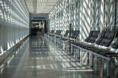 Aéroport, salle d'attente, secteur de voyageur Images stock