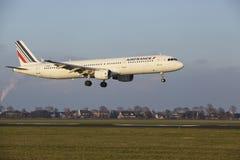 Aéroport Schiphol d'Amsterdam - Air France Airbus A321 débarque Photo libre de droits