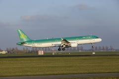 Aéroport Schiphol d'Amsterdam - Air Lingus Airbus A321 débarque Images libres de droits