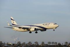 Aéroport Schiphol d'Amsterdam - Boeing 737 d'EL Al Israel Airlines débarque Image libre de droits