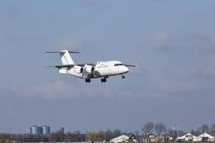 Aéroport Schiphol d'Amsterdam - CityJet Avro RJ85 débarque Image libre de droits