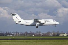 Aéroport Schiphol d'Amsterdam - CityJet Avro RJ85 débarque Photo libre de droits