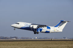 Aéroport Schiphol d'Amsterdam - CityJet Avro RJ85 décolle Image libre de droits