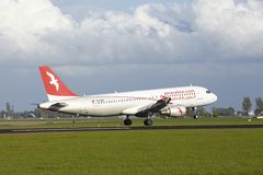 Aéroport Schiphol d'Amsterdam - A320 d'Air Arabia Maroc débarque Images libres de droits