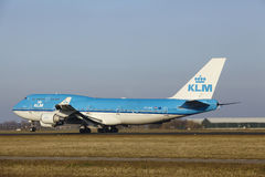 Aéroport Schiphol d'Amsterdam - KLM Boeing 747 décolle Photographie stock