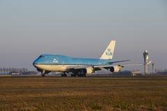Aéroport Schiphol d'Amsterdam - KLM Boeing 747 décolle Photos libres de droits