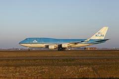 Aéroport Schiphol d'Amsterdam - KLM Boeing 747 décolle Photo stock