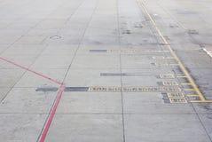 Aéroports d'aires de stationnement d'avions Photo stock