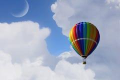 Aérostat flottant en ciel de jour Media mélangé Photo stock