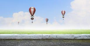 Aérostats volant haut Photos libres de droits