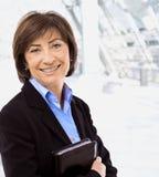aîné de verticale de femme d'affaires Image stock
