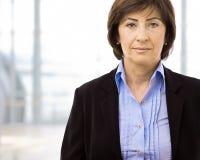 aîné de verticale de femme d'affaires Photos libres de droits