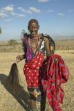 Aîné supérieur de masai dans le village du parc national de Nairobi, Nairobi, Kenya, Afrique Image stock