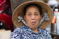 Aîné vietnamien drôle Image libre de droits