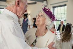 Aînés dansant à un mariage Photographie stock libre de droits