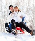 Aînés en parc d'hiver Photographie stock