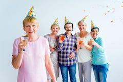 Aînés sur une fête d'anniversaire Images libres de droits