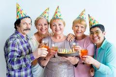 Aînés sur une fête d'anniversaire Photographie stock