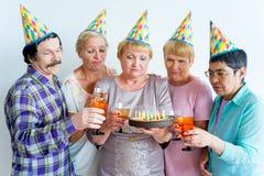 Aînés sur une fête d'anniversaire Photo libre de droits