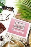 Añada al concepto en línea de la compra de la tienda de la orden de las compras del carro Foto de archivo