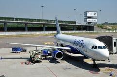 Añil Airbus A320 Imágenes de archivo libres de regalías