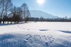 Año 2018 escrito en paisaje austríaco Imagenes de archivo