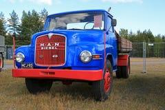 Año nostálgico 1961 del camión 415 L1A del HOMBRE en la exhibición Imagen de archivo libre de regalías