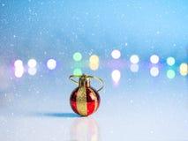 Año Nuevo adornado en el piso blanco Fotografía de archivo libre de regalías