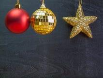 Año Nuevo, bola colgante de la Navidad estrellas de concentración Imagenes de archivo