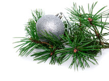 Año Nuevo, bolas de la Navidad y pino Imagenes de archivo