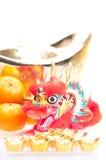 Año Nuevo chino con ascendente cercano del dragón y del lingote Imagen de archivo libre de regalías