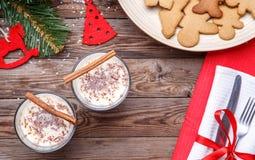 Año Nuevo con la viga de madera, galletas Imágenes de archivo libres de regalías