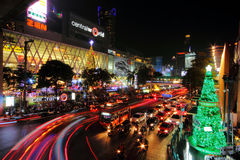 Año Nuevo de la celebración de la noche de la ciudad Imágenes de archivo libres de regalías