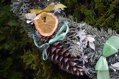 Año Nuevo de la decoración de la guirnalda de la Navidad Foto de archivo