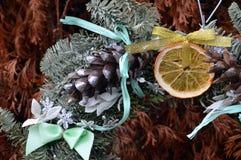 Año Nuevo de la decoración de la guirnalda de la Navidad Fotografía de archivo libre de regalías
