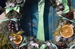 Año Nuevo de la decoración de la guirnalda de la Navidad Fotos de archivo libres de regalías
