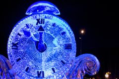 Año Nuevo de la nieve del reloj Fotografía de archivo libre de regalías